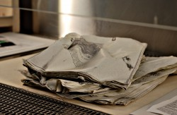 Knicke und Stauchungen_Archivgut unter Reiner Werkbank